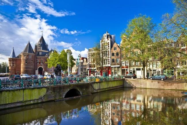 Амстердам – современный город на воде